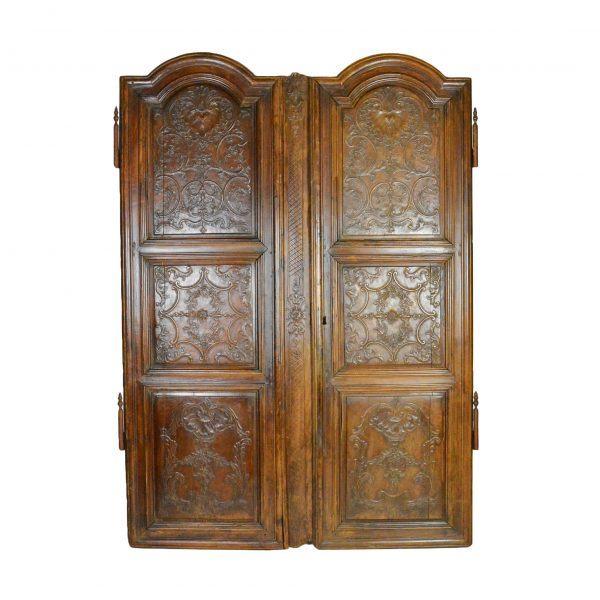 XVIII amžiaus spintos durys