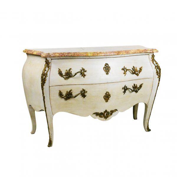 Rococo stiliaus komoda