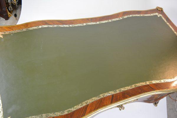 Rococo stiliaus rašomasis stalas