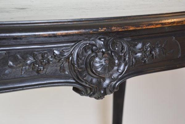 Neorococo raudonmedžio stalas