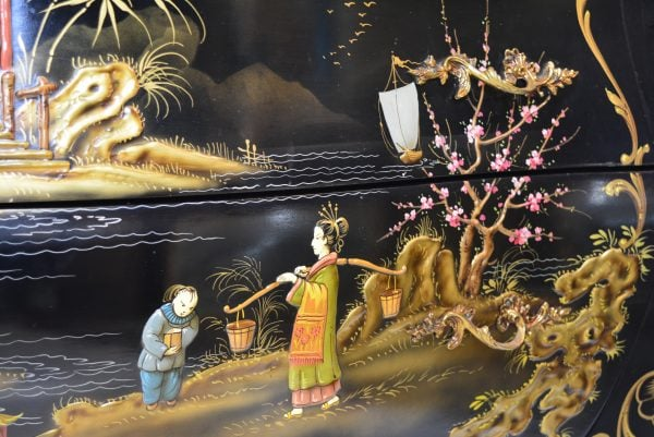 Chinoiserie stiliaus komoda