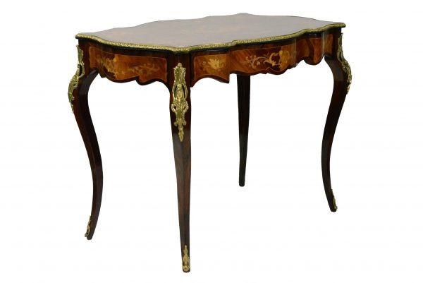 Rococo stiliaus rašomasis stalelis