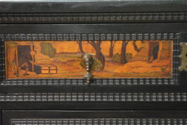 Intarsijų piešiniais dekoruota indauja 19 a. pab.