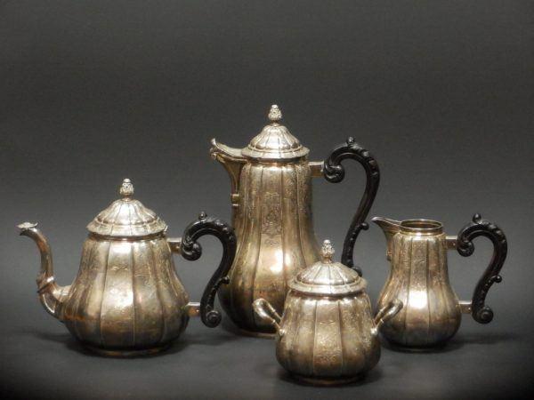 Sidabrinis kavos ir arbatos servizas