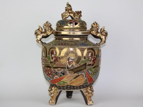 Japoniška Satsuma smilkalinė 19 a. pab.