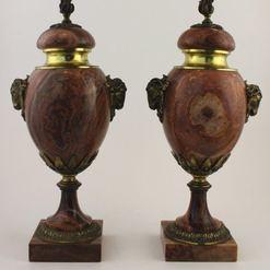 Neoklasicistinio  stiliaus vazų pora