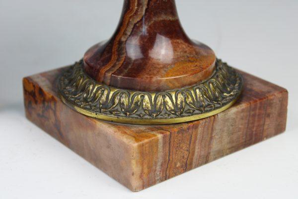 Neoklasicistinio stiliaus vazos 19 a. pab.