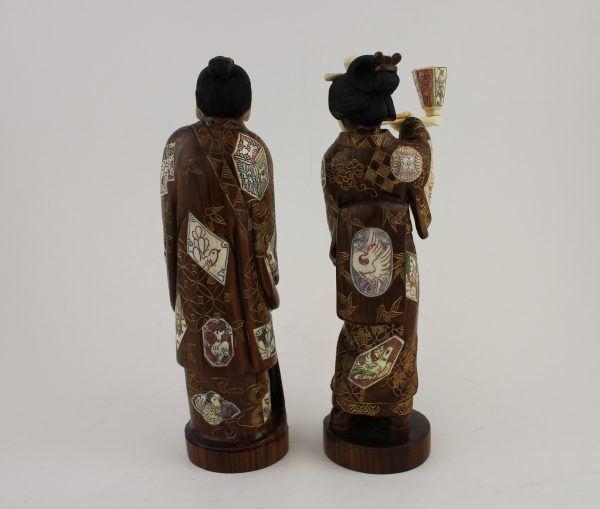 Japoniskos raudonmedzio skulptūrėles