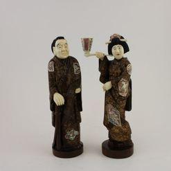 Japoniškos  raudonmedžio  skulptūrėlės