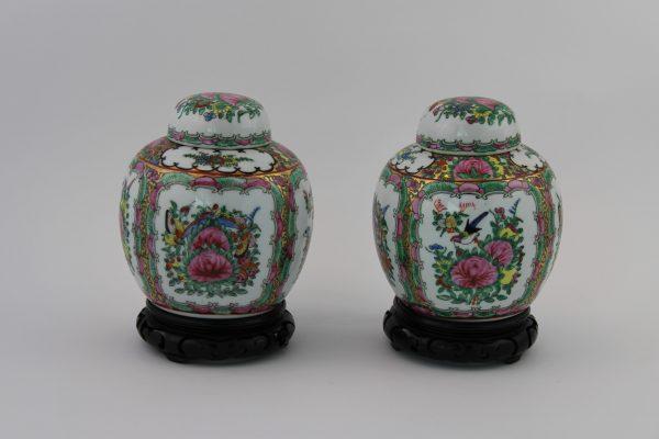Kiniskos porceliano vazeles