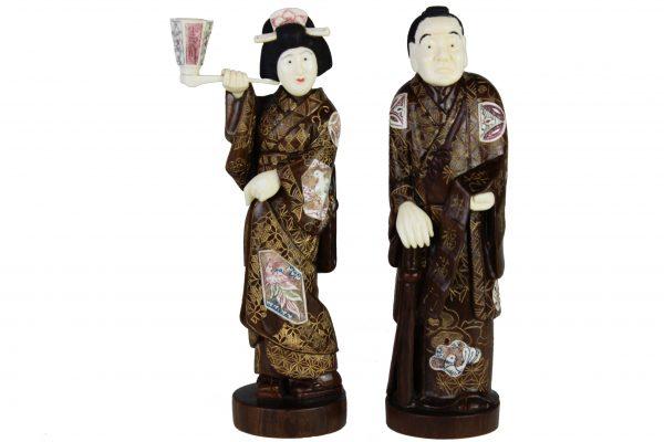 Japoniškos raudonmedzio skulptureles