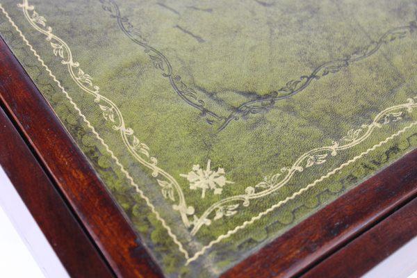 Angliško klasicizmo stiliaus rašomoji skrynelė