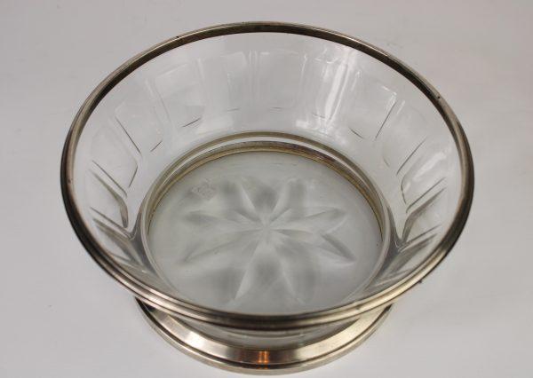 Antikvarinė  skaidraus krištolo vaza su sidabriniu žiedu