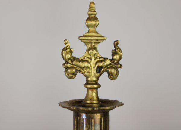 Louis XVI stiliaus žalvarinių žvakidžių pora
