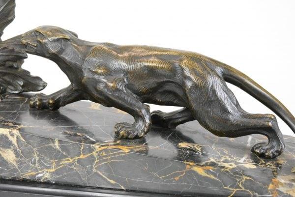 """Bronzinė Art Deco stiliaus skulptūra """"Medžioklė"""""""