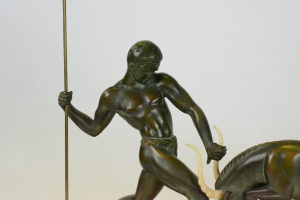 "Art Deco  skulptūta ""Elnio medžioklė"""