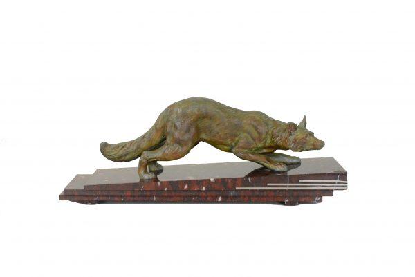 Art Deco stiliaus alavo skulptūra