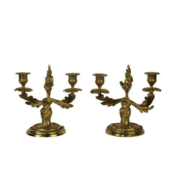 Rococo stiliaus žvakidžių pora