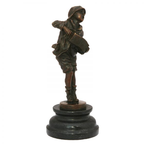 Bronzine skulptura Akordeonistas