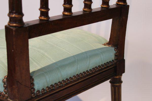 Antikvarinės raudonmedžio kėdės 19 a. pab.