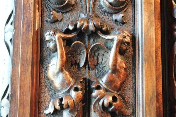 Unikali dviejų durų riešutmedžio antikvarinė spinta
