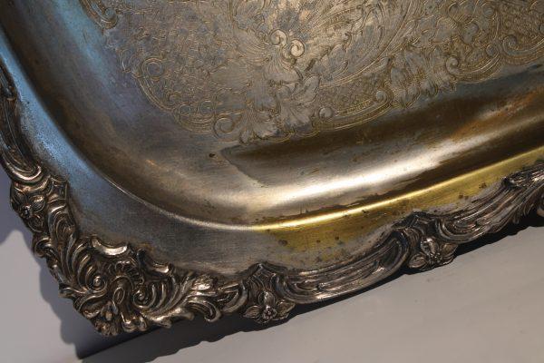 Puošnus pasidabruotas Rococo epochos padėklas 20a.