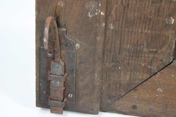 XVIII a. ąžuolinės spintos durys