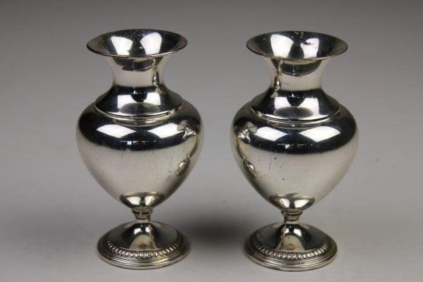 Vokiškos sidabrinės vazelės