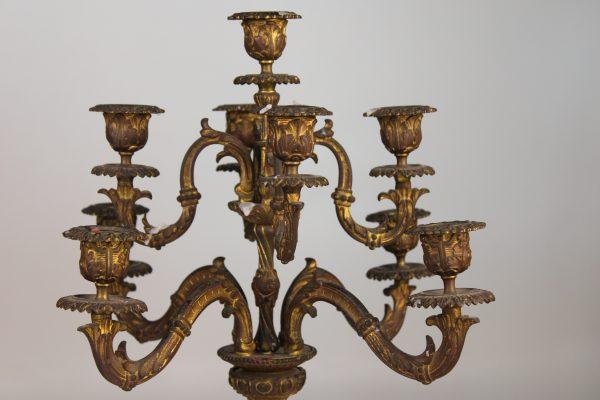 Empire stiliaus bronzinės žvakidės