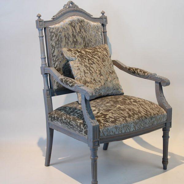 Liudviko XVI-ojo stiliaus krėslas