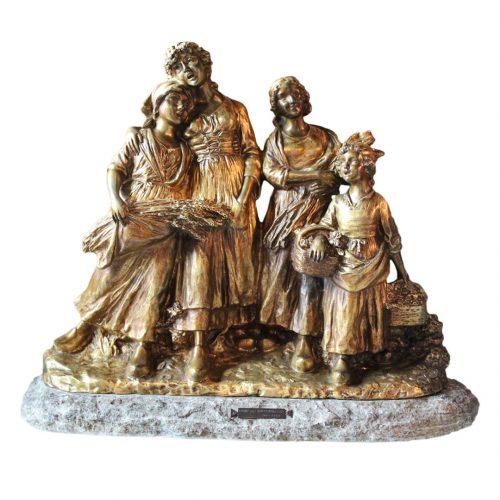 """Bronzinė skulptūra """"Pjovėjų daina"""" 20 a. pr."""