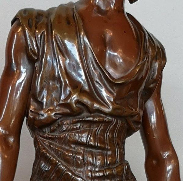 """Bronzinė skulptūra """"Tunisietis vandens nešikas"""" 19 a."""
