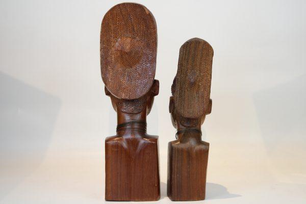 Afrikietiškų skulptūrų pora 20 a. vid.