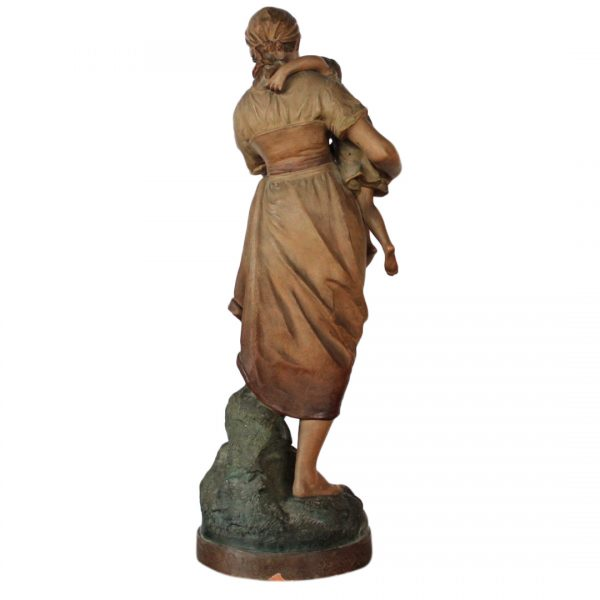"""Terakotos skulptūra """"Motina"""" 19 a. pab."""
