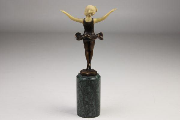 """Bronzinė skulptūra """"Mažoji balerina"""""""
