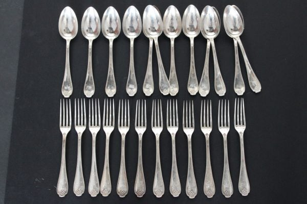 Antikvariniai sidabriniai stalo įrankiai