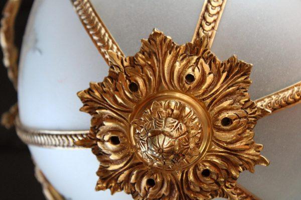 Liudviko XVI stiliaus žalvarinis šviestuvas