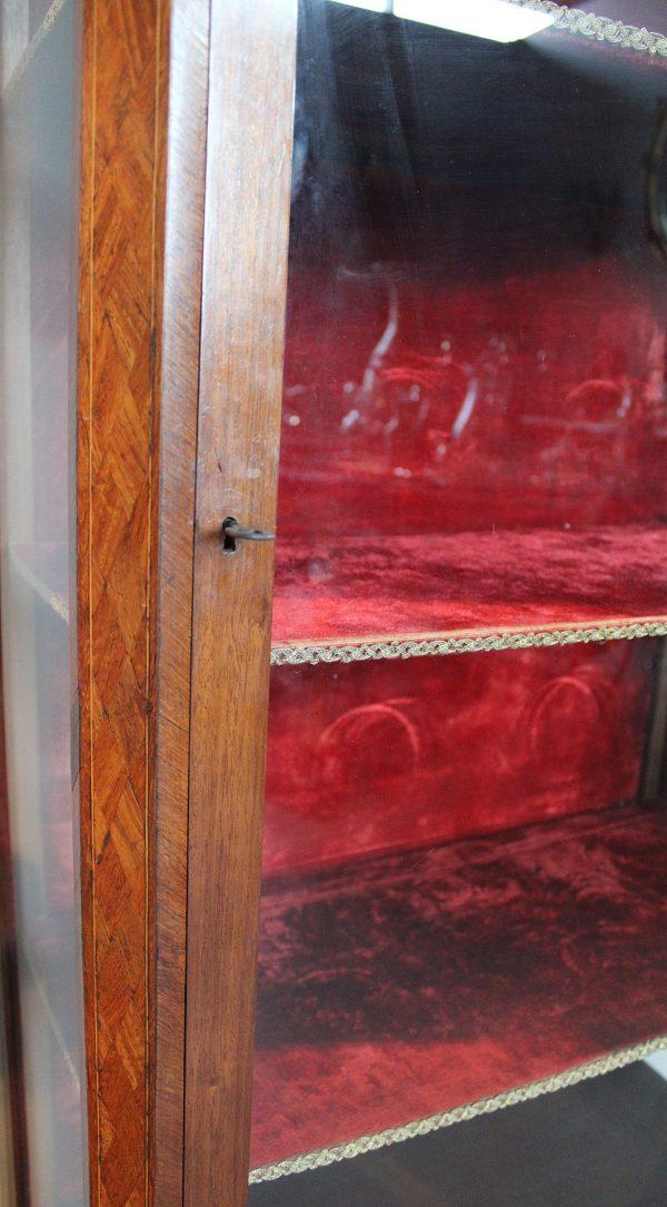 Liudviko XVI stiliaus raudonmedžio indauja 20 a. pr.