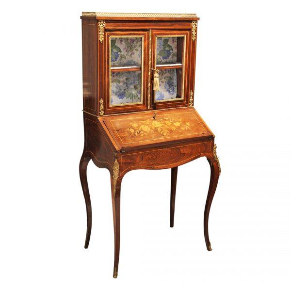 Rococo stiliaus sekreteras 19 a. pab.
