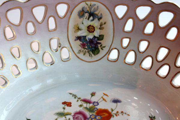 Neoklasicistinė porcelianinė vaza 20 a.