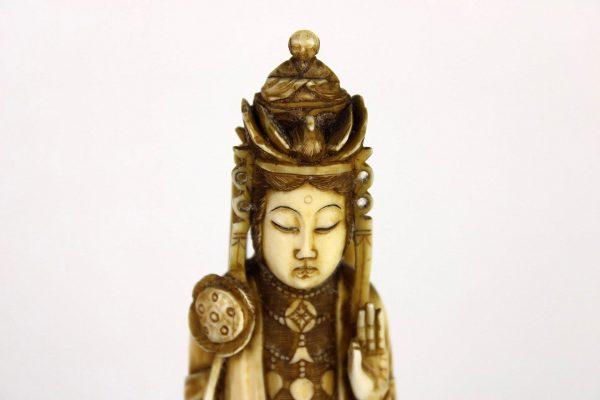 "Antikvarinė kaulo skulptūra ""Guanyin"" 19 a. pab."