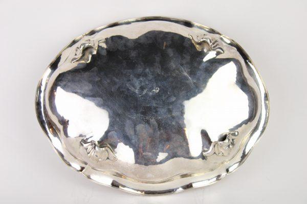 Rococo stiliaus sidabrinė lėkštė 20 a. vid.