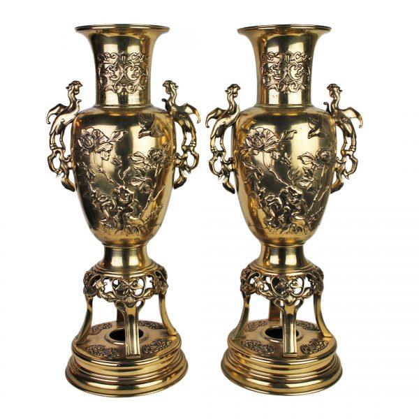 Kiniškos bronzinės vazos 20 a. pr.