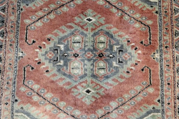 Pakistan vilnonis kilimas 310 x 81 cm.
