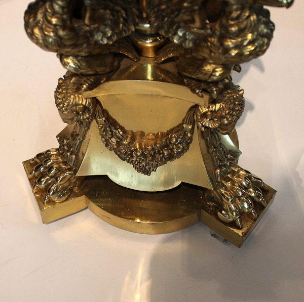 Klasicizmo stiliaus antikvariniai žalvariniai toršerai