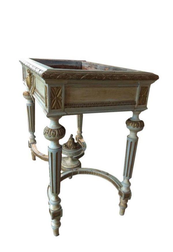 Liudviko XVI stiliaus medinis staliukas gėlėms
