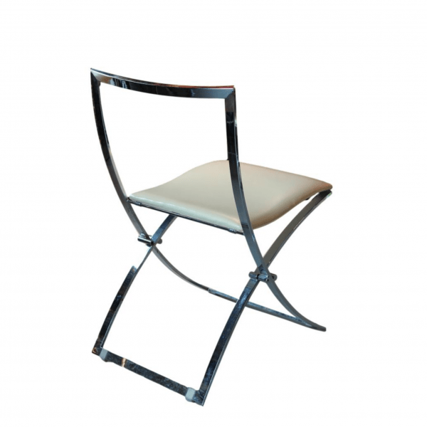 Moderno stiliaus odinės kėdės