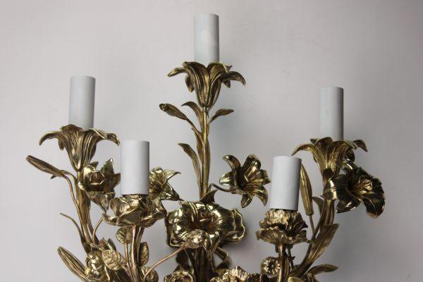 Neoklasicistinio stiliaus bronziniai šviestuvai