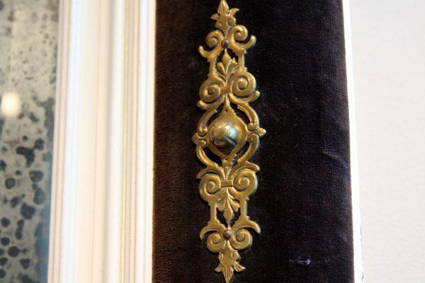 Neoklasicizmo stiliaus veidrodis