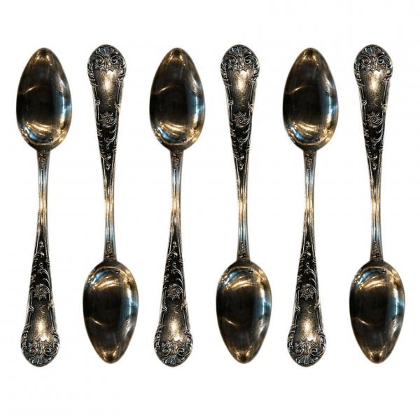 Rokoko stiliaus sidabriniai desertiniai šaukšteliai